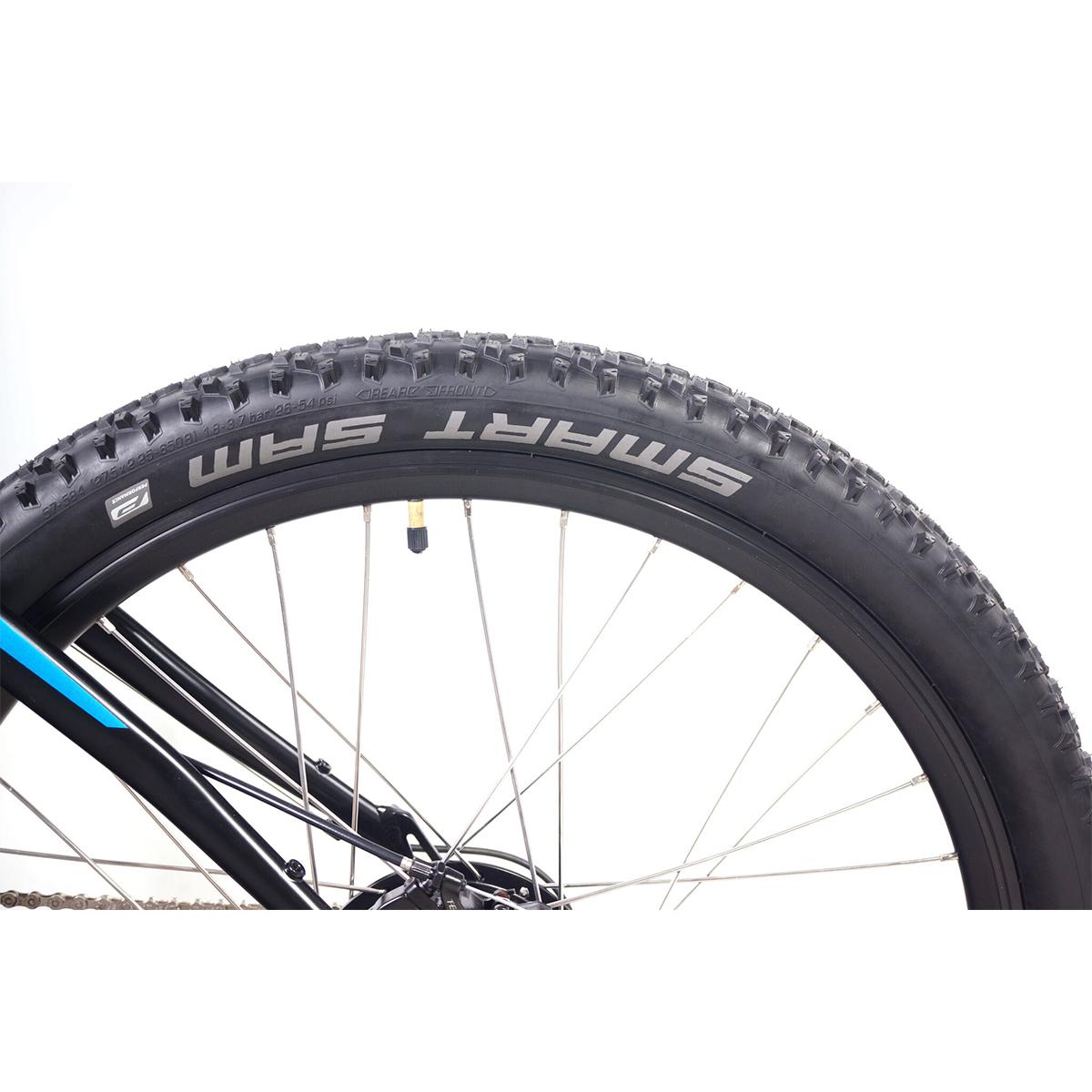 MI5 tire